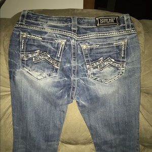 EUC MISS ME EASY CROPPED JEANS SIZE 26/31